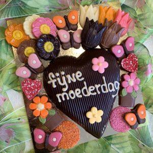 Moederdag chocolade hart voor oma of moeder