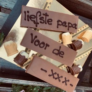 Vaderdag chocoladerepen met tekst en praline biertjes